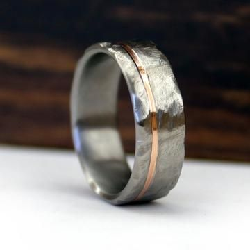 Hammered Titanium And Rose Gold Ring 18k With Images Mens Wedding Rings Rose Gold Engagement Ring Titanium Wedding Rings