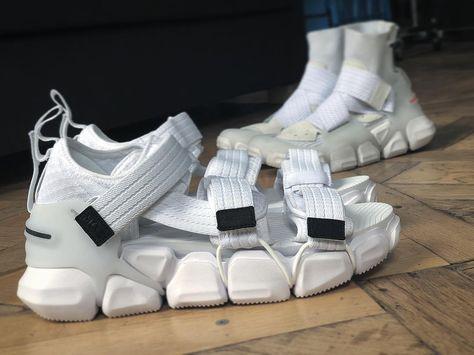 09b26ead01fb Pin by Erin Cochrane on FTWR_ in 2019 | Shoes, Sneakers fashion ...