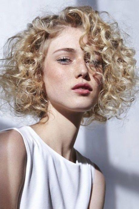 Resultat De Recherche D Images Pour Carre Permanente Coupe De Cheveux Permanente Cheveux Court Permanente Cheveux