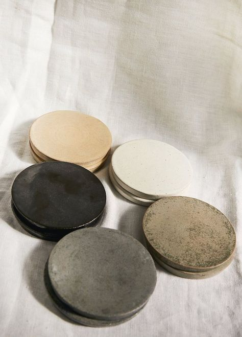 Pottery Plates, Ceramic Pottery, Pottery Art, Pottery Wheel, Clay Plates, Ceramic Plates, Bowls, Coaster Design, Ceramic Coasters