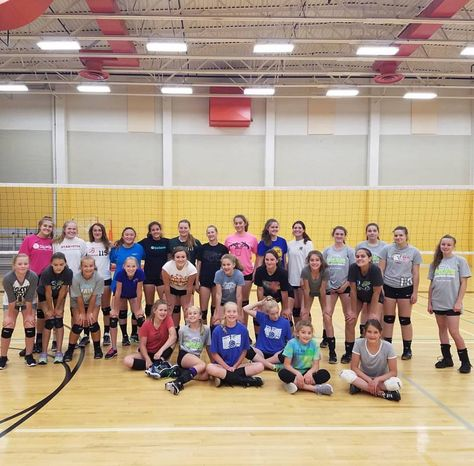 Peak Volleyball Camps By Mike Welch Mike Welch Has Been A Volleyball Camp Director Since 1990 His Voll Volleyball Camp Coaching Volleyball Sports Summer Camp