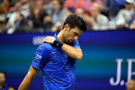 Novak Djokovic Hampered By Injury Is Out Of The U S Open Novak Djokovic Stan Wawrinka Injury
