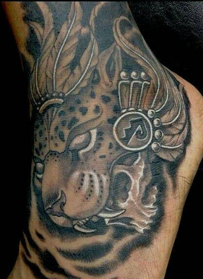 Pin By Antonio Resendiz On Dibujitos Jaguar Tattoo Tattoos Aztec Tattoo