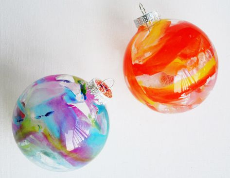 DIY fun for everyone! Spend your last weekend before Christmas making crayon melt ornaments and cross-stitched gift tags.