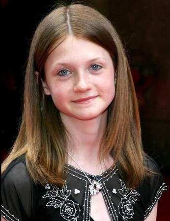 Harry Potter Vous Les Avez Connus Enfants Ils Ont Bien Change Ginny Weasley Bonnie Wright Acteurs Harry Potter