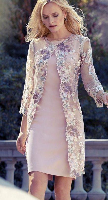 Pin Von Marta Coronel Auf Hochzeit In 2020 Brautmutter Outfit Kleider Hochzeit Modische Kleider Fur Frauen