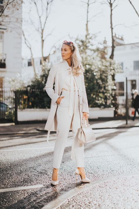 How To Make your Workwear Wardrobe More Stylish  #workwear #workwomensfashion #workoutfit #workoutfitswomen #styleinspiration #womensoutfits #femininefashion #femininefashionlooks