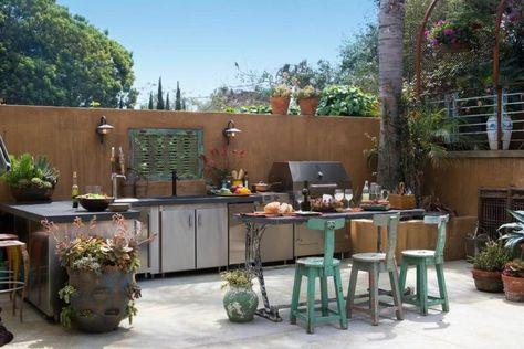 Idee für eine Outdoor-Küche auf der Terrasse im Shabby-Chic-Stil - gartenkamin bauen ideen terrasse