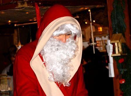 Nikolaus Santa Claus Weihnachtsmann Besuch Auftritt In Wiesbaden