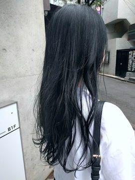秋冬の髪色は 青 がくる トレンドのブルー系ヘアカラー4選 Hair