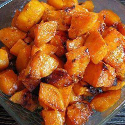 Roasted Sweet Potatoes 3 Sweet potatoes, peeled and cut into bite size cubes 2 tsp olive oil 1 tbsp butter 1 tbsp of brown sugar (organic) 1 tsp of ground cinnamon 1/4 tsp of ground nutmeg Pinch of ground ginger Sea salt, to taste.