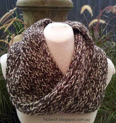 Fabulous (and easy) knitting pattern from Fitzbirch Crafts - Mobius Scarf