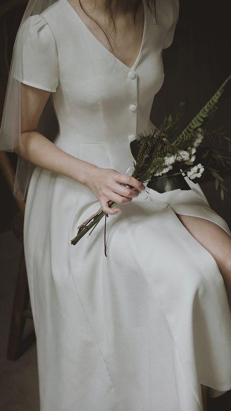 Alice - simple and elegant French style midi wedding dress