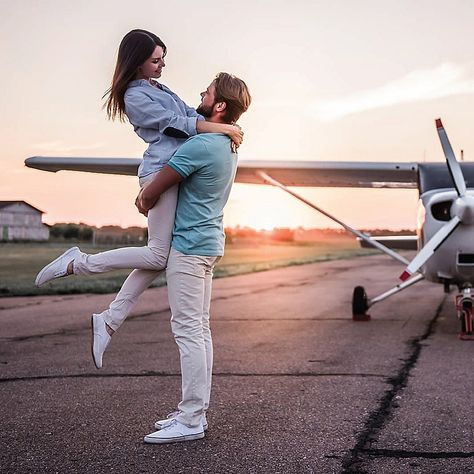 Dinner And Flight By Vebo - Plan the perfect anniversary or special occasion with a night of sightseeing and dinner for Hosted by Delta Charlie's, take a private plane for 2 over the iconic city of Dallas after relishing a gourmet American meal.