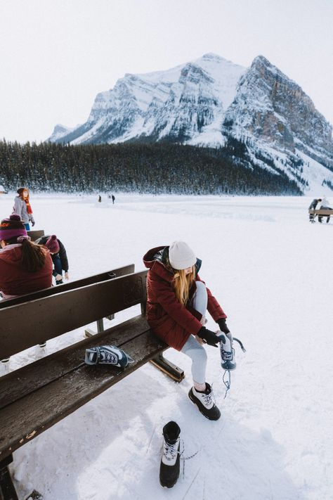 Wondering what to do in Banff in winter? We're sharing the ultimate winter Banff bucket list, including dog sledding, northern lights, ice skating on Lake Louise and more! Save this for your next Banff winter vacation! Banff National Park, National Parks, Banff Photography, Winter Photography, Animal Photography, Photography Ideas, Lake Louise Winter, Outdoor Dates, Photography Poses