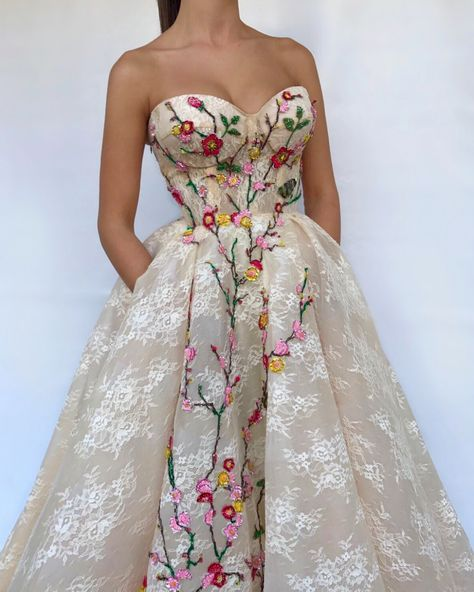 Details - White lava color - Tulle fabric - Handmade embroidered flowers - Ball-gown style -Party and Evening dress