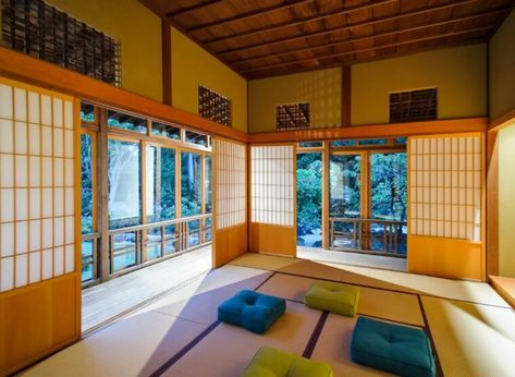 Maison Traditionnelle Japonaise Et Tapis Japonais Pour Sol Tatami