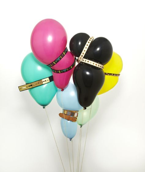 Feeling daring? Try this out of the box idea! Belted #balloons add a different touch to a party