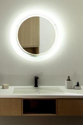 Wandspiegel Solid Von Agape Bild 16 Badezimmerlampen Badezimmerleuchten Badezimmer Licht
