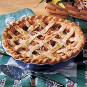 Peachy Rhubarb Pie Recipe In 2020 Rhubarb Recipes Rhubarb Recipes Pie Rhubarb Pie