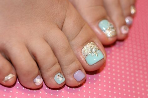 Toe nails design Cool colors  love em