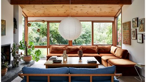 Inside the architect-designed home of Jessica Tremp and Michael Madden in Victoria's Macedon Ranges. Interior Architecture, Interior And Exterior, Sala Vintage, Interior Simple, The Design Files, Australian Homes, Mid Century House, Inspired Homes, Home Decor Accessories