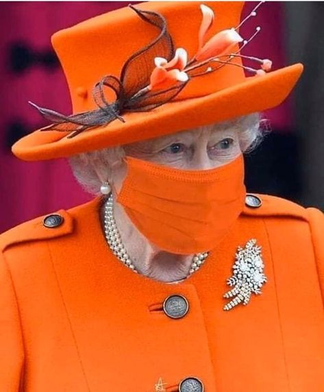 Sadiq Khan & Grant Shapps clash on UK Citizens wearing Nose Mask Diana Son, Clash On, Her Majesty The Queen, Queen Of England, English Royalty, Queen Mother, Elisabeth, Save The Queen, Prince Philip