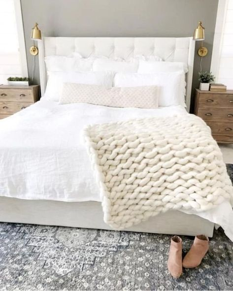 Keep it cozy with a chunky knit throw (we took notes from @thebloomingnest) #WayfairAtHome