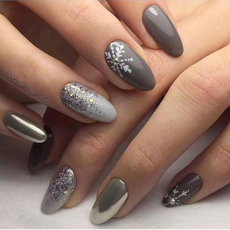 2019/2020 Gorgeous Short Nail Designs for Christmas