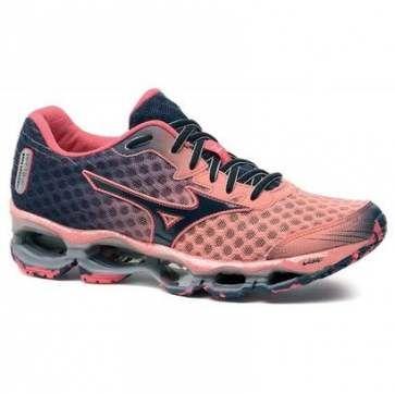 mizuno running shoes vs asics feminino