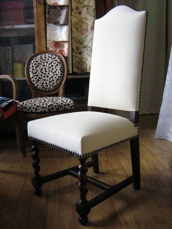 Une Serie De 6 Chaises Louis Xiii Remplacement Du Tissu De Couverture Microfibre Casal Finition Clous Meridienne Deco Interieure Chaise