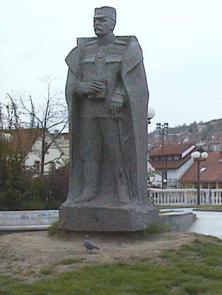 Spoenik Zivojinu Misicu U Valjevu With Images Buddha Statue