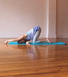 Posturas De Yoga Para Aliviar Los Problemas De La Cervical Y El Cuello Posturas De Yoga Ejercicios De Yoga Yoga Beneficios