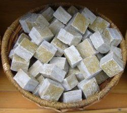 Easy Homemade Oatmeal Eczema Body Soap Recipe - oatmeal doesn't seem to help much when my daughter is already having a bad flare up, but it does seem to calm the itching at times.