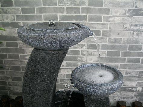 Une Jolie Fontaine Solaire Zen Exterieure En Demonstration