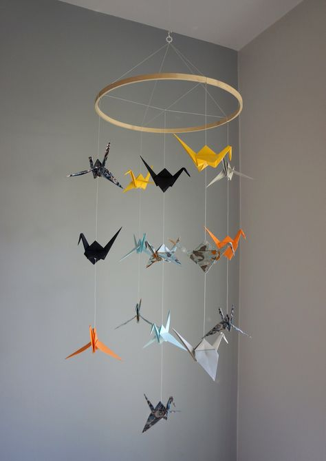 Home Decor. Origami Ball, Diy Origami, Hanging Origami, Cute Origami, Origami Paper, Origami Cranes, Paper Cranes, Bird Mobile, Hanging Mobile