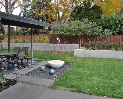 stützmauer im garten-beton holz-selber bauen-sitzgelegenheiten - sichtschutz auf sttzmauer
