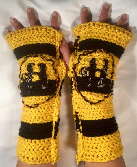 Yellow /& Black Fingerless Mittens Wristwarmers Harry Potter Inspired Hufflepuff House Striped Armwarmers Hand Knit Fingerless Gloves