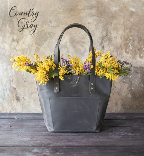Our leather tote bags for women are a benchmark for greatest quality. Leather Handbags, Leather Totes, Tote Handbags, Personalized Tote Bags, Branding, Cloth Bags, Leather Accessories, Large Tote, Womens Tote Bags