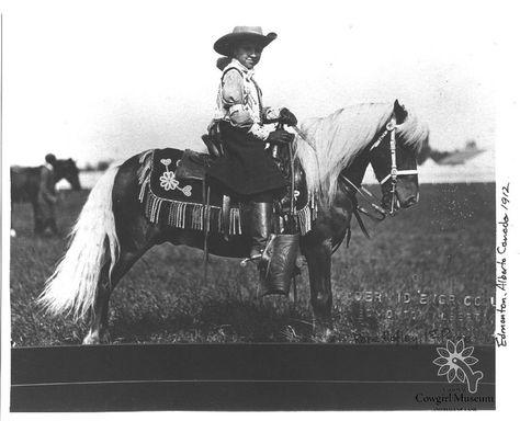 Amateur teri rides cowgirl
