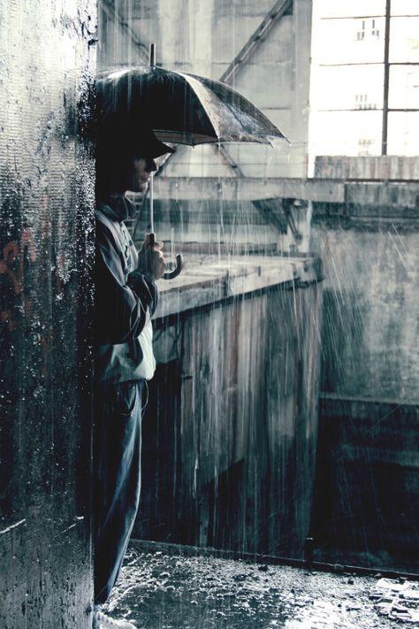 Tal vez sigo existiendo en una calle que el aire hace llorar... / Pablo Neruda.