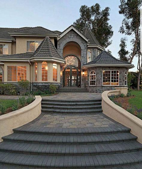 Cool 40 Fantastic Dream Home Exterior Design Ideas https://livingmarch.com/40-fantastic-dream-home-exterior-design-ideas/