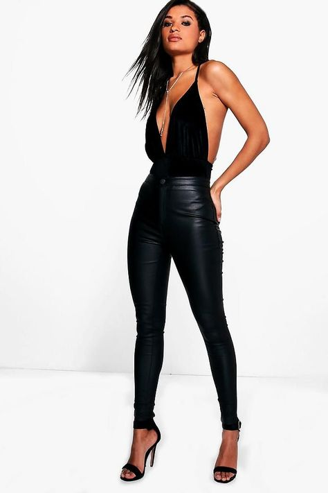 Matte PU Coated Leather Look Skinny Pants Lara Matte PU Coated Skinny Trousers Legging Outfits, Leather Leggings Outfit, Outfits With Leather Pants, Black Leggings Outfit Summer, Club Outfits Jeans, Faux Leather Pants, Pu Leather, Club Outfits For Women, Clothes For Women