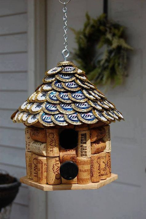 16 17 18 A BIRDHOUSE made from WINE CORKS and flattened BEER CAPS! Wine Cork and Beer Cap Bird House. House roof made of flattened Miller Lite Beer Caps. Beer Cap Crafts, Wine Cork Crafts, Wine Bottle Crafts, Crafts With Bottle Caps, Crafts With Corks, Wine Bottle Corks, Bottle Candles, Bottle Cap Projects, Wine Cork Projects