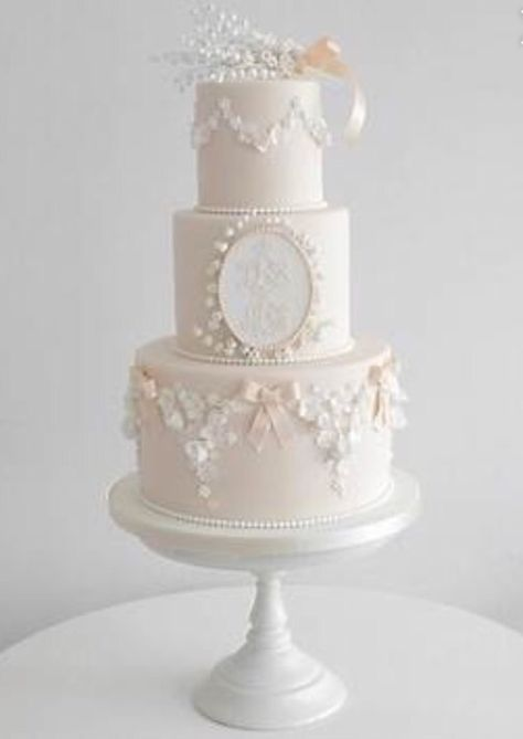 Wedding Cakes Brisbane   Wedding Cake Makers And Cake Toppers