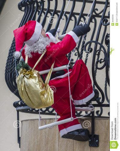 Decoracion Navide A Para Exteriores De Casas Papa Noel Y Renos Brillantes Decorando La Casa En Navidad