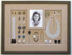 Christa Walter , 25 Amazingly Creative Ways To Repurpose Vintage Jewelry Schöne diy vintage schmuck kranz Source by . Vintage Jewelry Crafts, Vintage Costume Jewelry, Vintage Costumes, Antique Jewelry, Costume Jewelry Crafts, Vintage Jewelry Boxes, Vintage Jewellery, Mom Jewelry, Jewelry Art