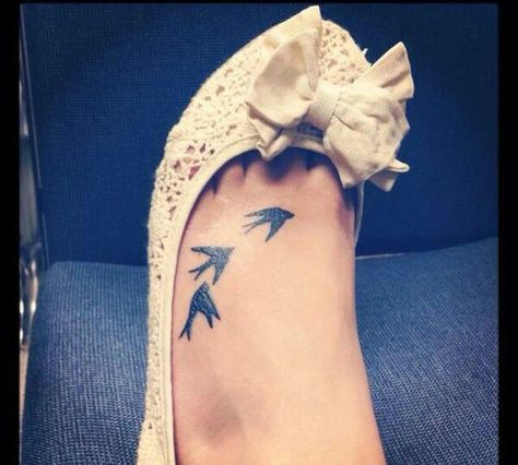 swallow tattoo on her foot #ink #youqueen #girly #bird #tattoos