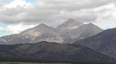 Mount Yale Colorado Is The Highest Peak Seen In This Picture Elevation 14200 Ft 4328 2 M Mount Yale Is A High And Prominen Colorado Yale Rocky Mountains