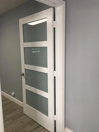 Jeld Wen 32 In X 80 In Moda Primed Pmt1044 Solid Core Wood Interior Door Slab W Translucent Glass Th Wood Doors Interior Doors Interior Modern Doors Interior